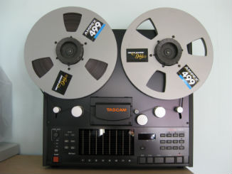 Tascam_TSR8_small